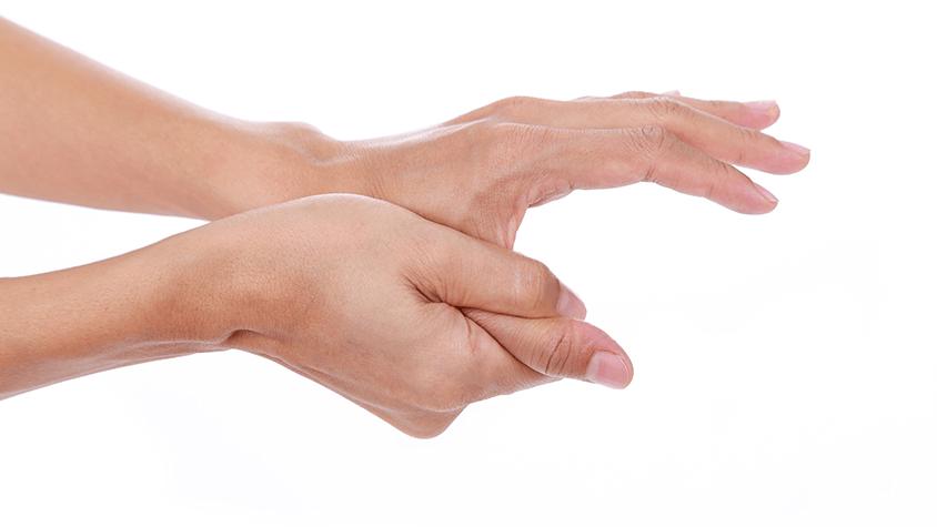 az ujjak párnái piros foltokat fájnak a kezeken