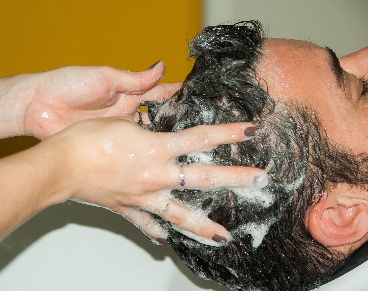 pikkelysömör a fejen fotó okai kezelés)