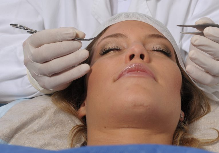 Bőrelváltozás, heg, anyajegy - dr. Pataki Gergely plasztikai sebész