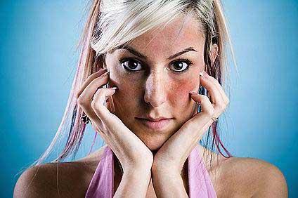 kézi pikkelysömör kezelése népi gyógymódokkal van egy piros folt a nyakon és viszket